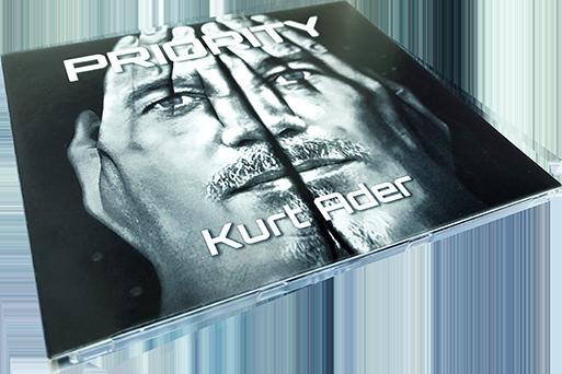 Kurt Ader PRIORITY CD-Cover Vorderseite liegend
